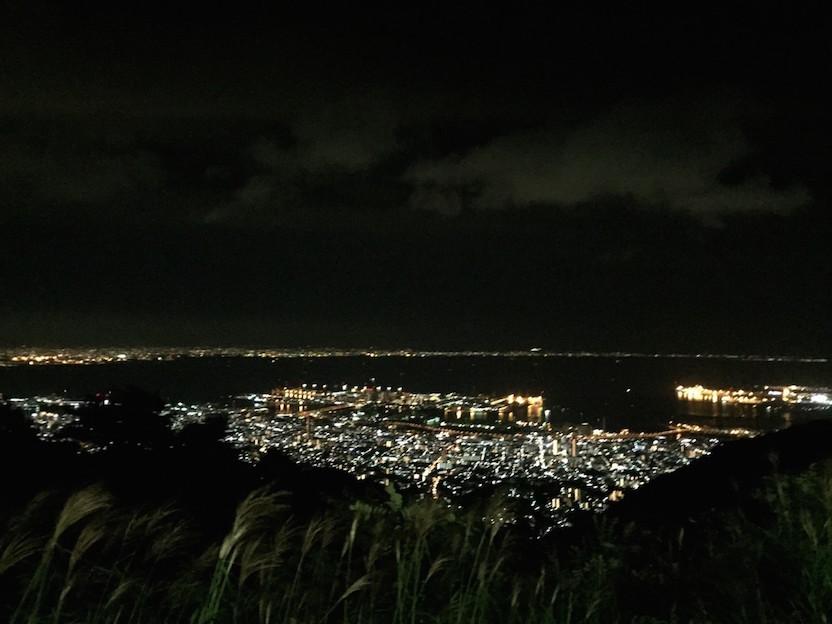 表六甲の展望台からの夜景。